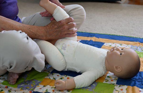 Infant Massage-Baby's Legs & Feet